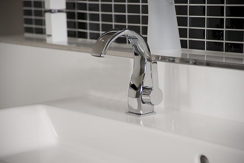 Design Armatur tief Bad/Küche, Einhand Armatur 18cm